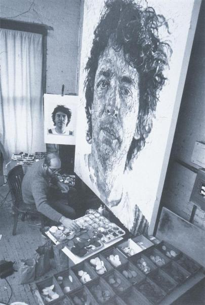 Chuck Close in action
